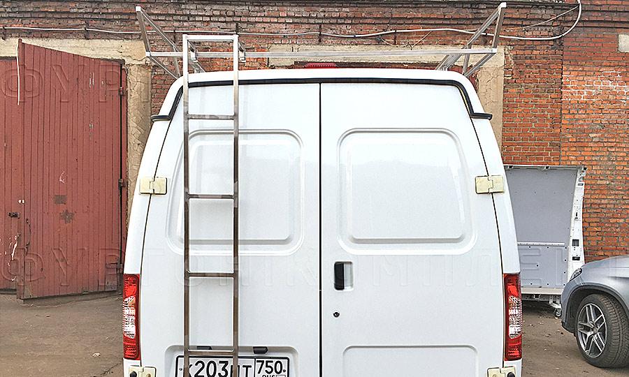Багажники из нержавеющей стали L1H1 с лестницей: Багажник и лестница (вид сзади)