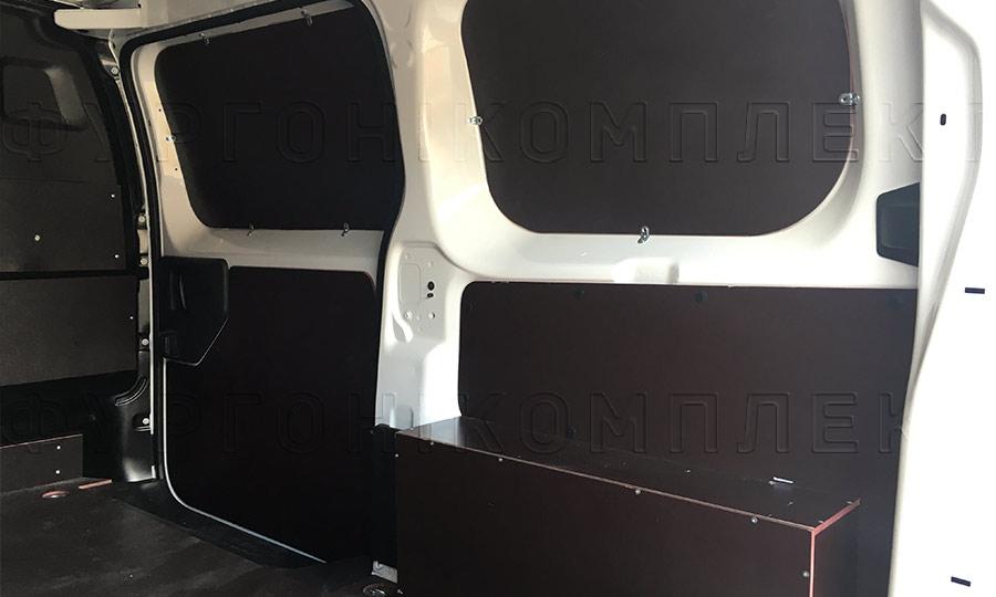 Обшивка фургона Citroën Jumpy L2H1: Боковая дверь, стены и арки