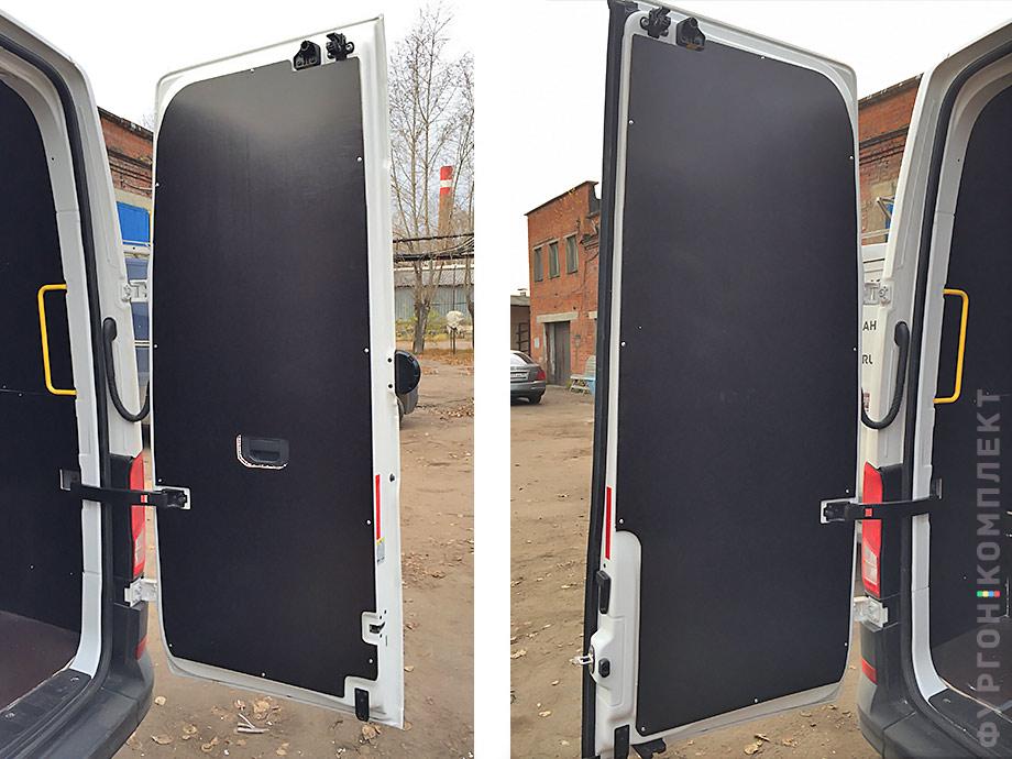 Обшивка дверей Volkswagen Crafter 2017
