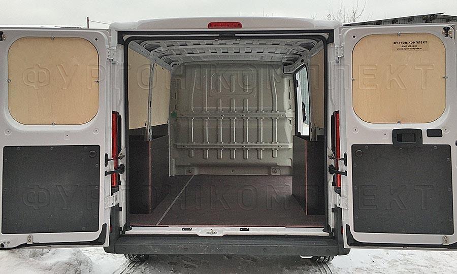 Обшивка фургона Peugeot Boxer L1H1: Двери, пол, стены и арки
