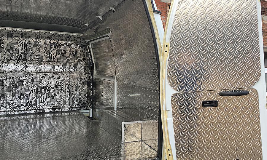 Обшивка фургона ГАЗ 2752 Соболь L1H1: Двери, стены, арки и потолок