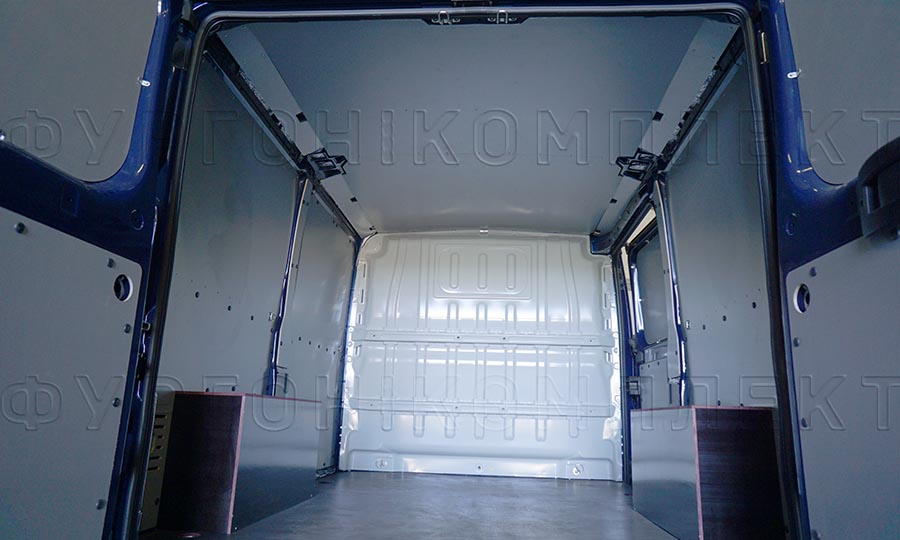 Обшивка фургона Peugeot Boxer L1H1: Двери, стены, пол, арки и потолок