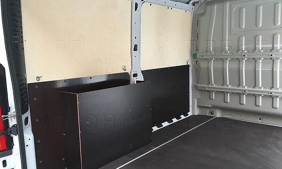 Обшивка фургона Citroën Jumper L1H1: Пол, арки и стены