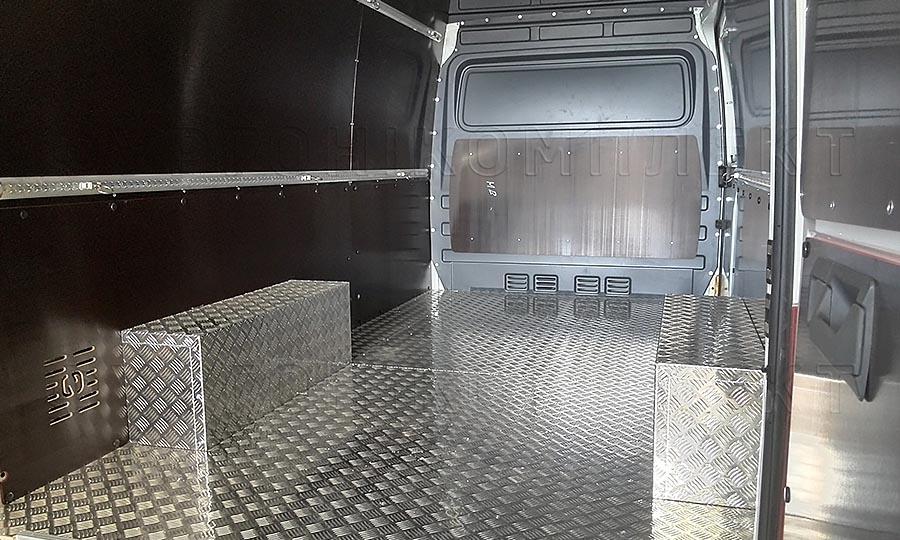 Обшивка фургона Volkswagen Crafter L2H2: Пол, стены, акри и перегородка