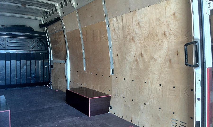 Обшивка фургона Iveco Daily L4H3: Пол, стены, арки и боковая дверь