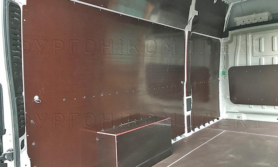 Обшивка фургона Fiat Ducato L4H3: Пол, стены, арки и перегородка