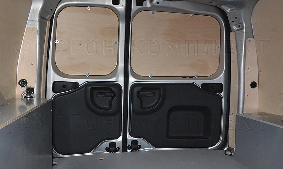 Обшивка фургона Лада Ларгус L1H1: Пол, стены, арки и задние двери