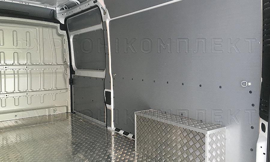 Обшивка фургона Fiat Ducato L3H2: Пол, стены и арки