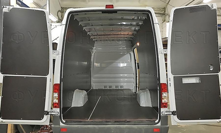 Обшивка фургона Mercedes-Benz Sprinter Classic L3H2: Пол, стены и задние двери