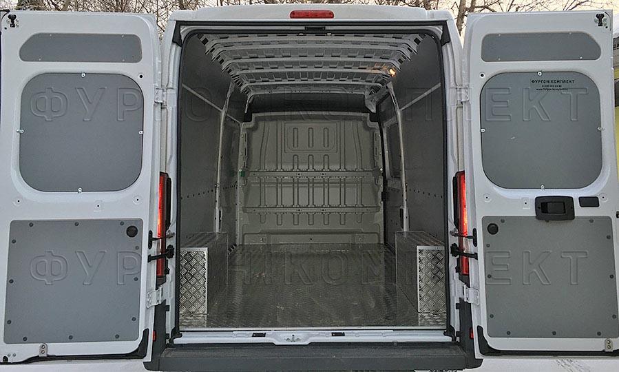 Обшивка фургона Peugeot Boxer L3H2: Пол стены, задние двери и арки