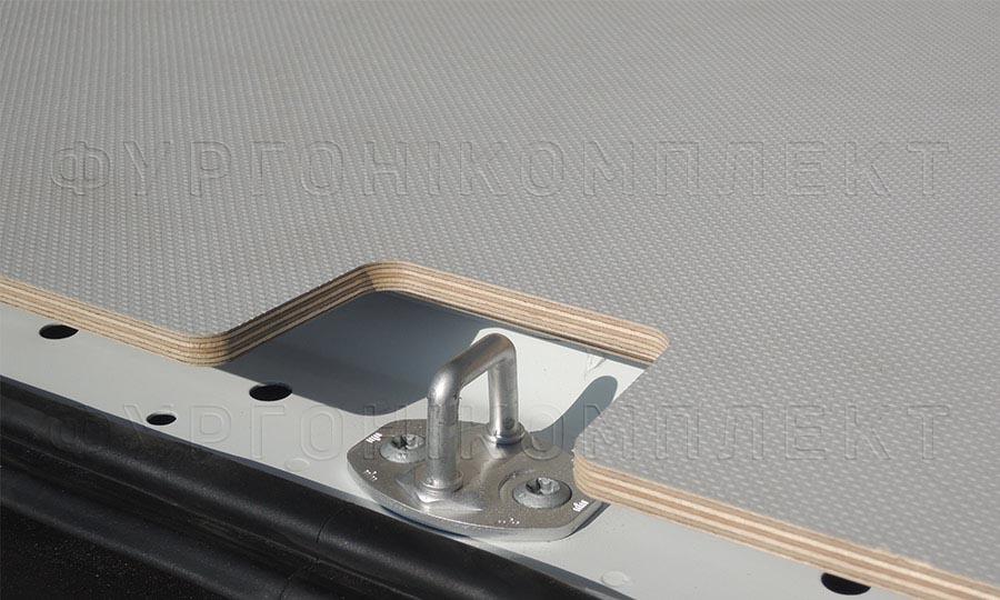 Обшивка фургона Mercedes-Benz Vito L1H1: Пол