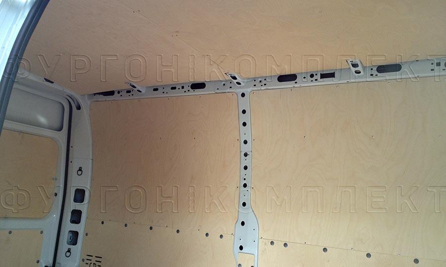Обшивка фургона Renault Master L2H2: Потолок и стены