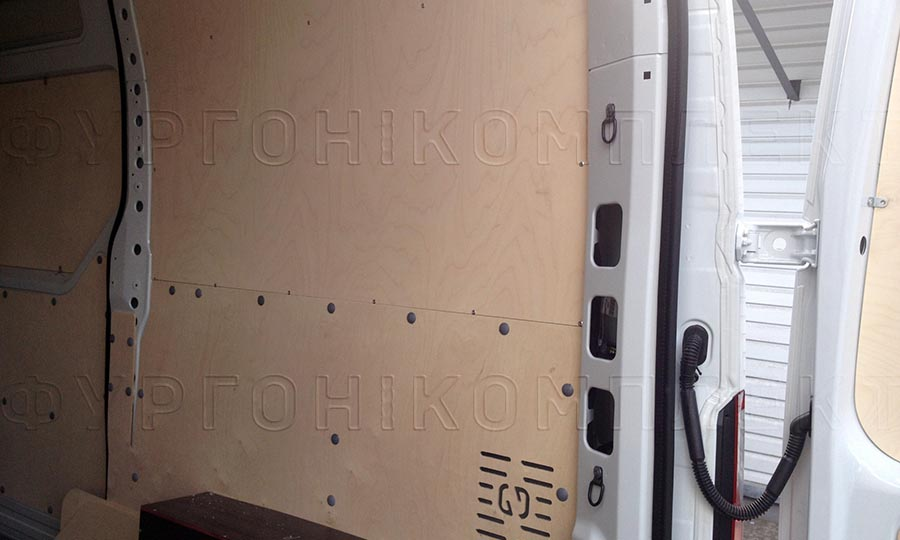 Обшивка фургона Opel Movano L2H2: Стены
