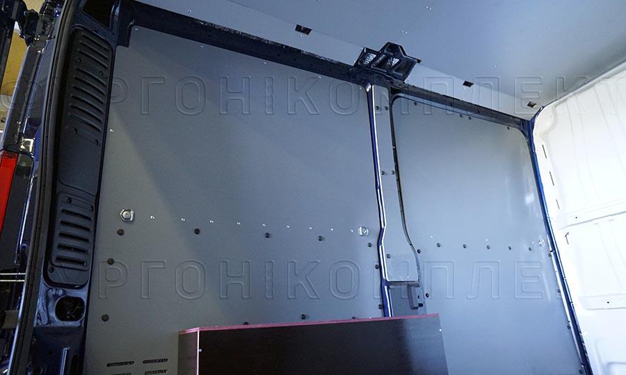 Обшивка фургона Citroën Jumper L1H1: Стены, арки и потолок