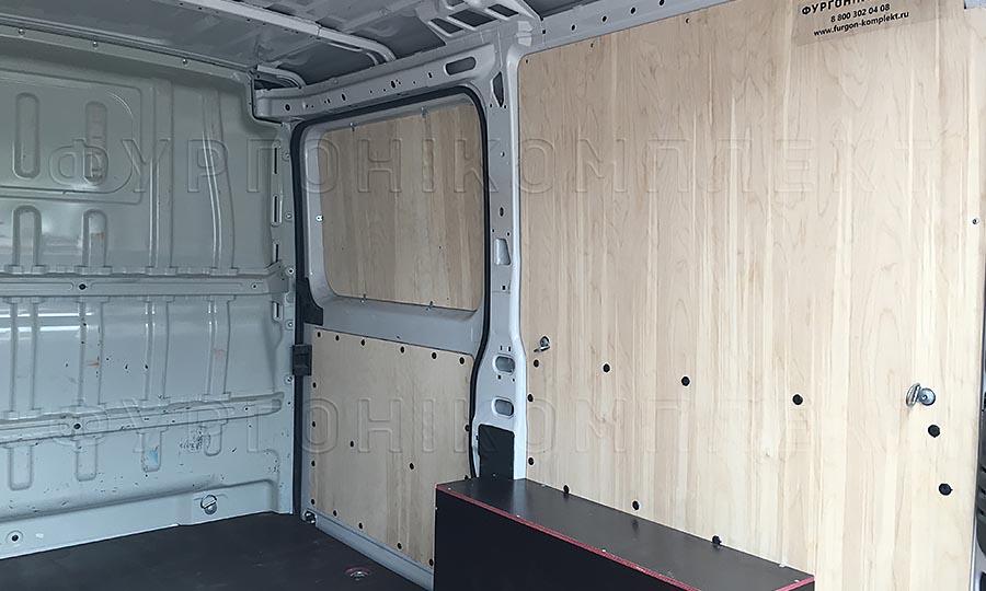 Обшивка фургона Fiat Ducato L1H1: Стены, арки, пол и боковая дверь