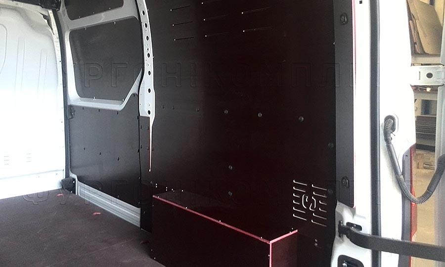 Обшивка фургона Nissan NV400 L2H2: Стены, арки, пол и боковая дверь