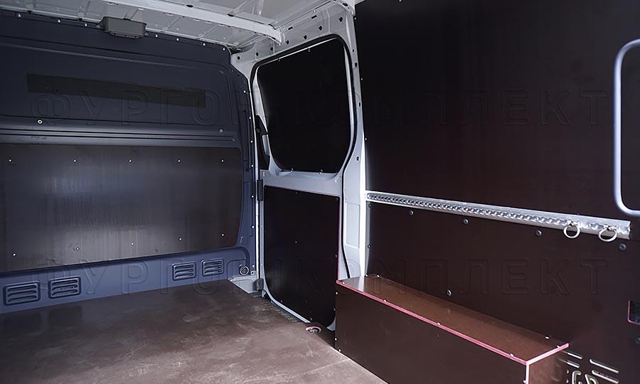 Обшивка фургона Mercedes-Benz Sprinter L1H1: Стены, боковая дверь, пол, арки и перегородка