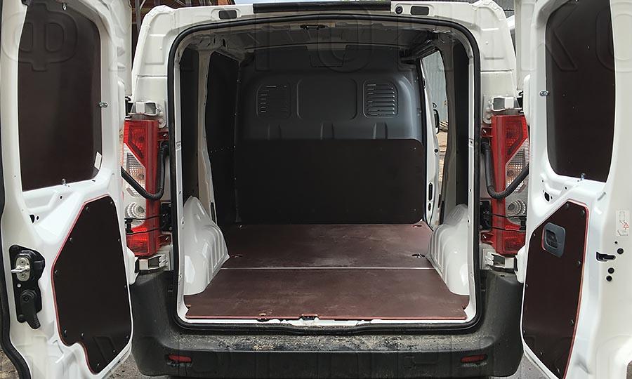 Обшивка фургона Citroën Jumpy L1H1: Стены, двери и пол