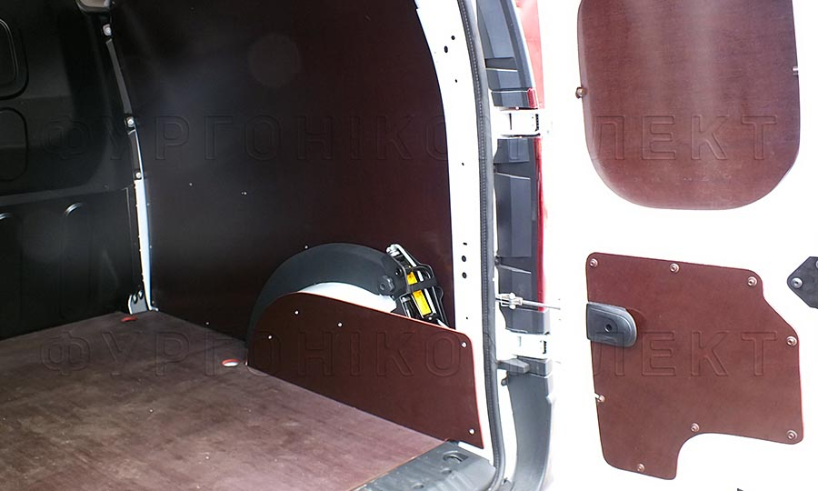 Обшивка фургона Renault Kangoo L1H1: Стены, двери, пол и арки