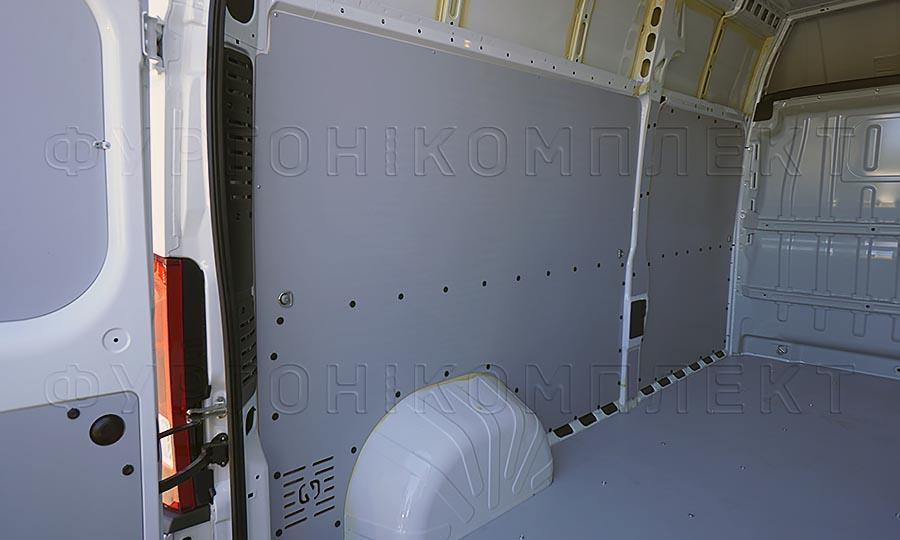 Обшивка фургона Peugeot Boxer L3H3: Стены и пол