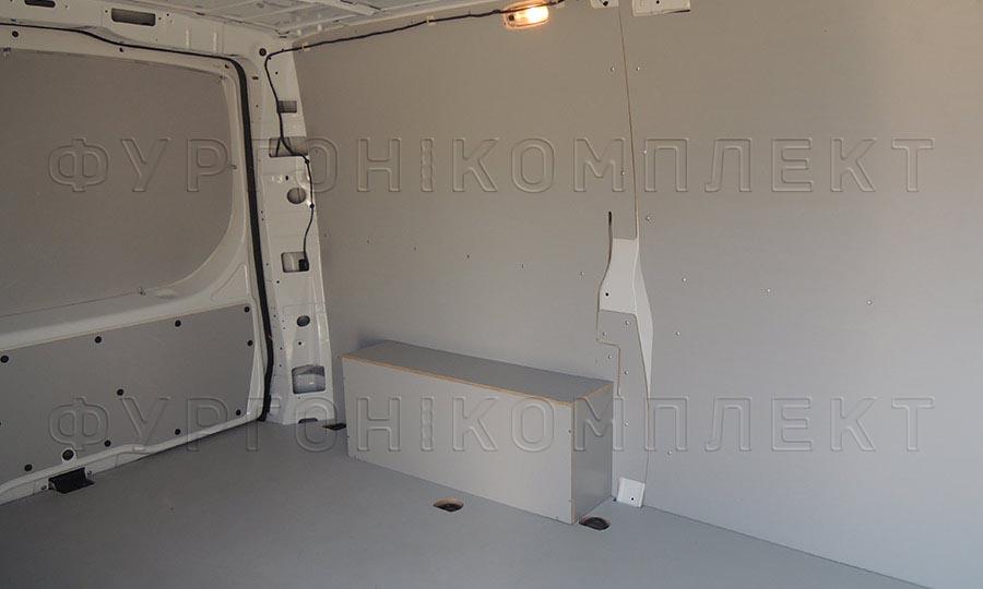 Обшивка фургона Mercedes-Benz Vito L1H1: Стены, пол, арки и двери