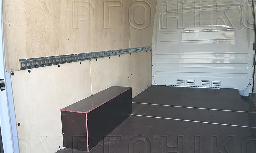 Обшивка фургона Mercedes-Benz Sprinter Classic L2H2: Стены, пол, арки и такелажная рейка