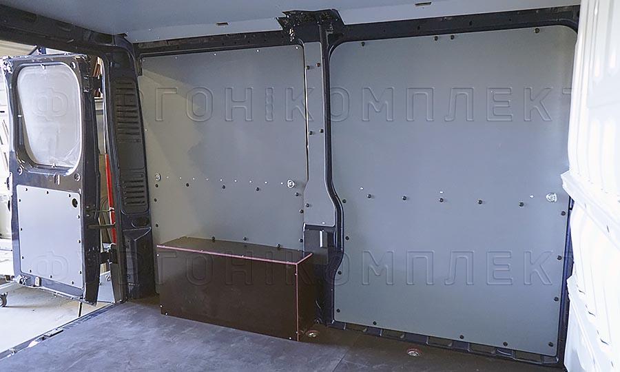 Обшивка фургона Peugeot Boxer L1H1: Стены, пол, арки и задние двери