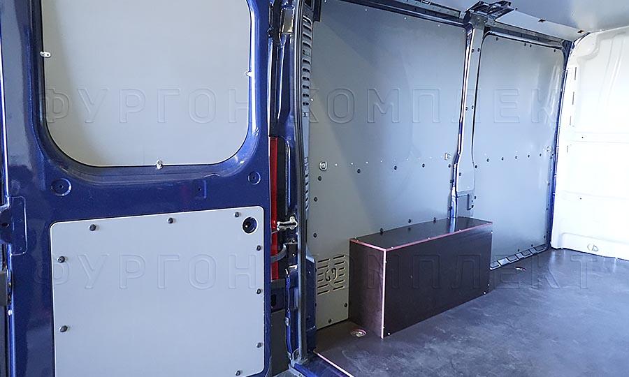 Обшивка фургона Fiat Ducato L1H1: Стены, пол, арки и задняя дверь