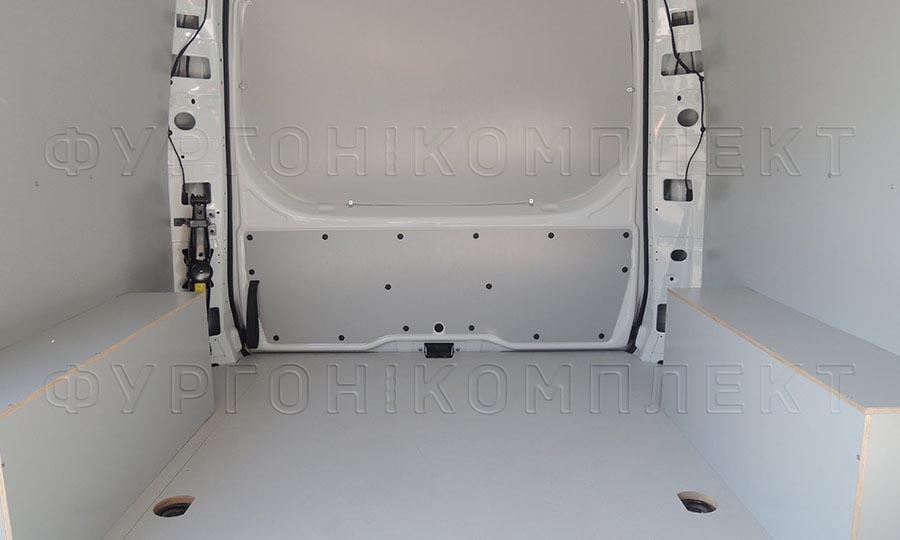 Обшивка фургона Mercedes-Benz Vito L1H1: Стены, пол, арки и задняя дверь