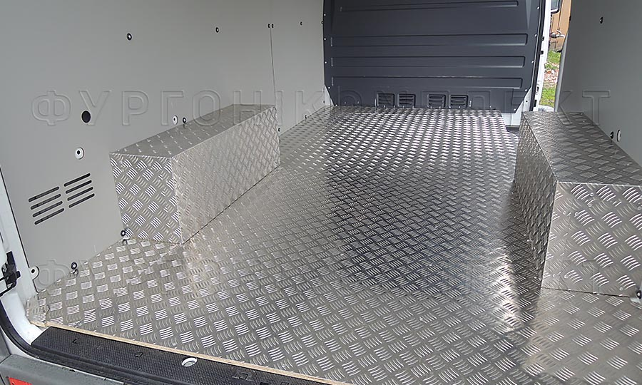 Обшивка фургона Mercedes-Benz Sprinter Classic L2H2: Стены, пол и арки