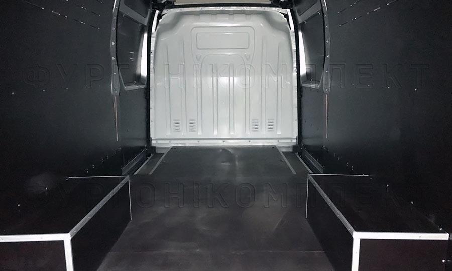 Обшивка фургона Iveco Daily L4H3: Стены, пол и арки