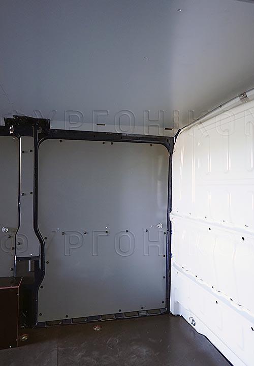 Обшивка фургона Citroën Jumper L1H1: Стены, пол и потолок
