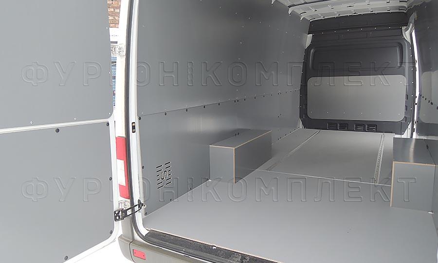 Обшивка фургона Mercedes-Benz Sprinter Classic L3H2: Стены, задние двери, арки и пол