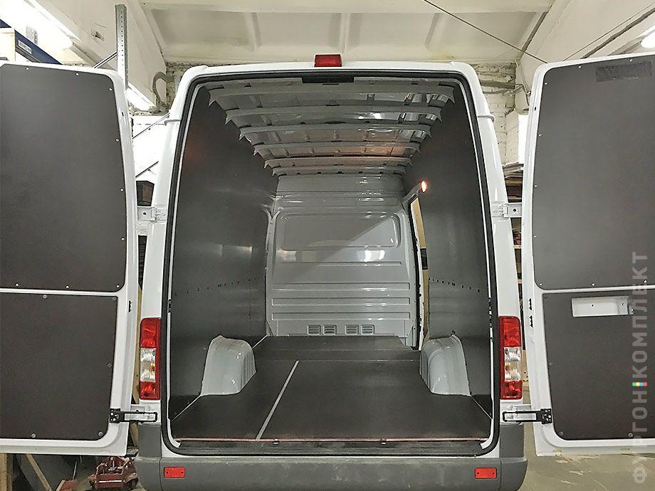 Обшивка для пола, стен и дверей фургона