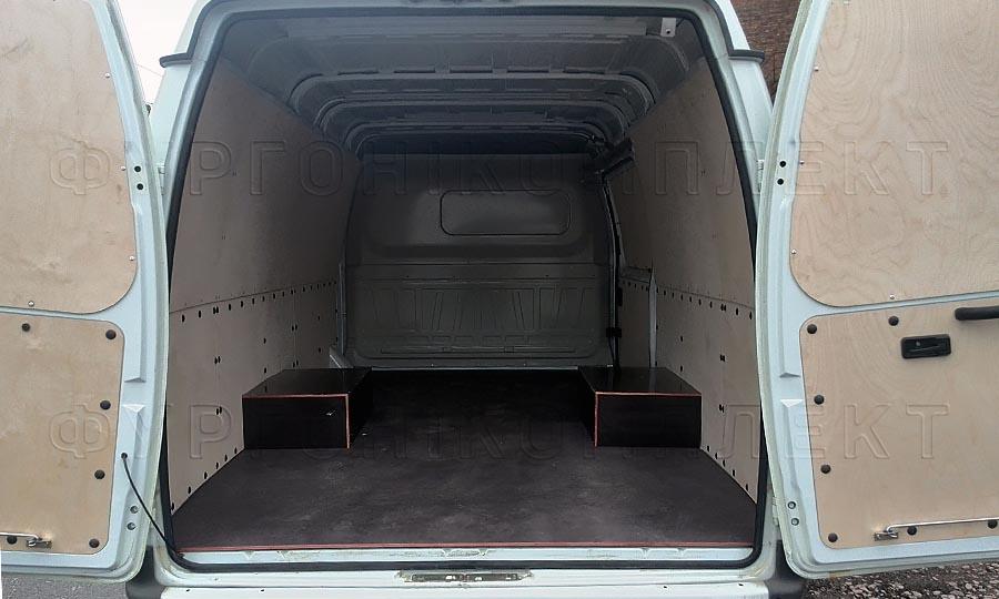 Обшивка фургона ГАЗ 2752 Соболь L1H1: Вид со стороны задних дверей