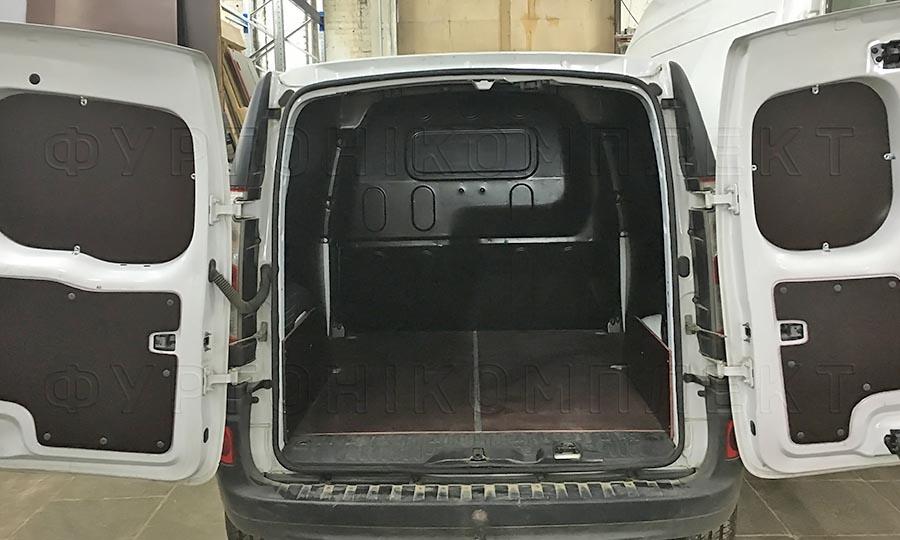 Обшивка фургона Renault Kangoo L1H1: Задние двери, пол и арки