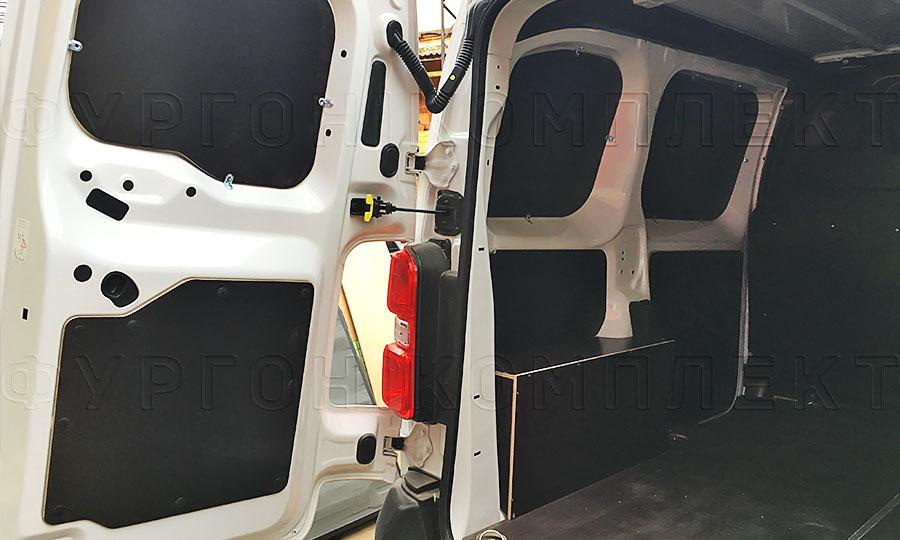Обшивка фургона Citroën Jumpy 2017 L1H1: Задние двери, пол и стены
