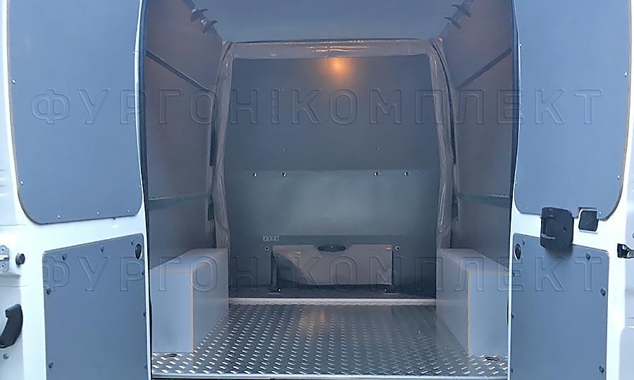 Обшивка фургона Peugeot Boxer L3H2 грузопассажирский: Задние двери, пол, стены и арки