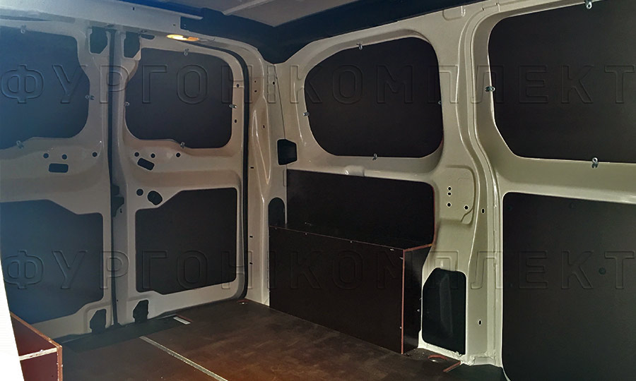 Обшивка фургона Peugeot Expert L2H1: Задние двери, стены и арки