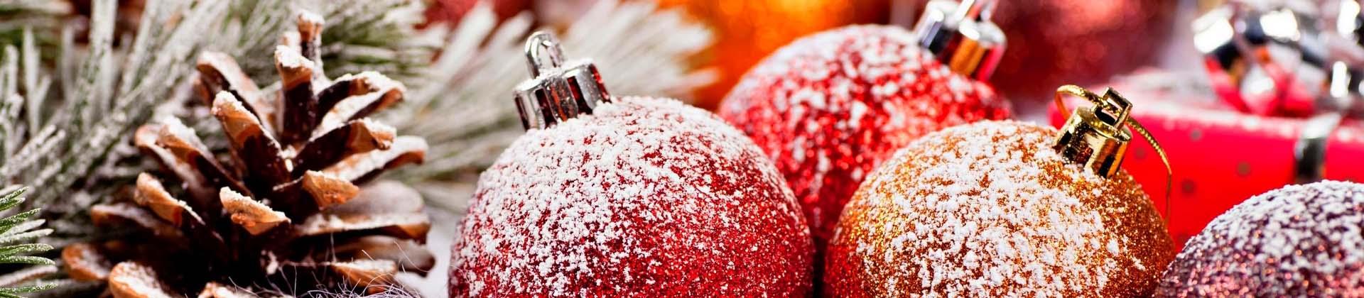 Фургон-Комплект поздравляет посетителей с Новым Годом и Рождеством!