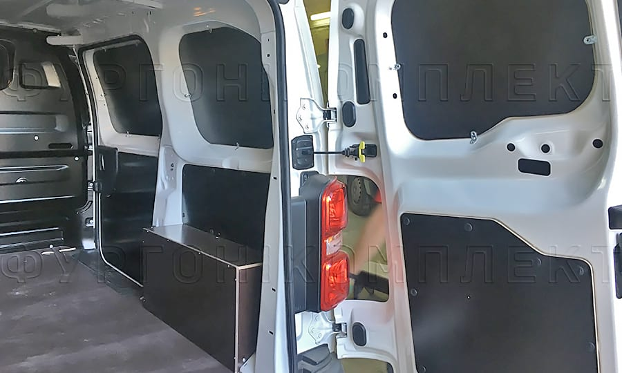 Обшить пол фанерой фургона Ситроен Джампи