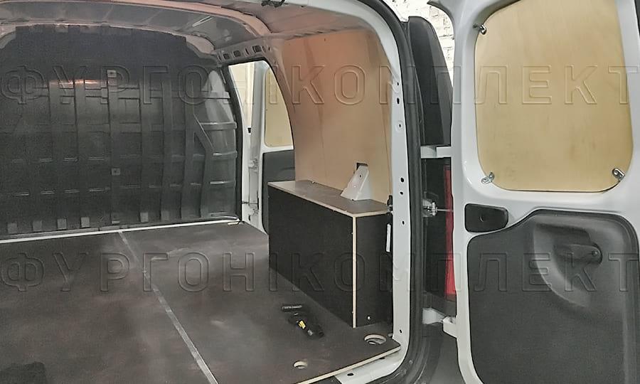 Обшивка пола на фургон Лада Ларгус