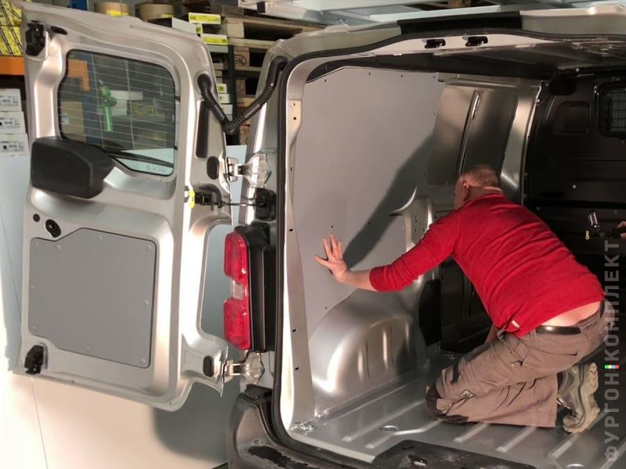 Самостоятельная обшивка фургона
