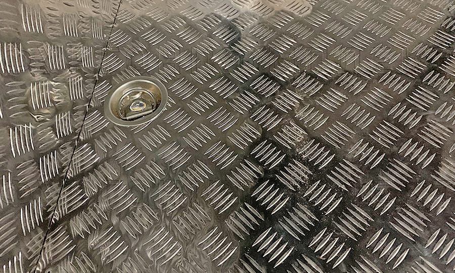Установка на пол колец крепления груза в Газель Некст